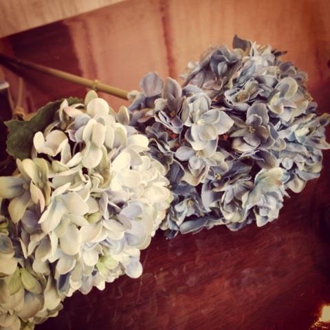 アーティフィシャルフラワー造花を使用して