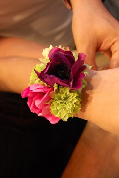 ヴィヴィッドカラーのコントラストがキレイな花冠のN様