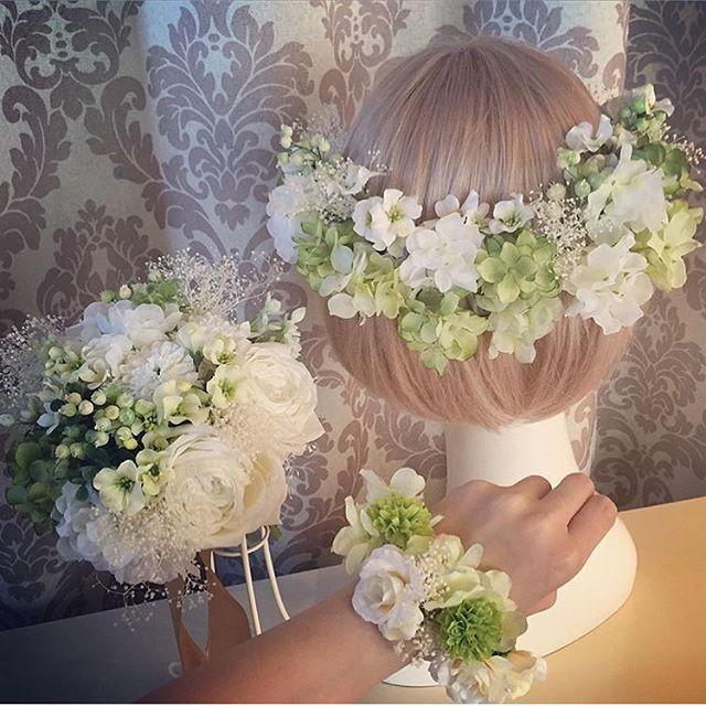 一昨日に店内のヘッドドレスを秋仕様にリニューアルしましたブーケや花冠も随時リニューアルしていきますのでお手頃価格でブーケが欲しいという花嫁様はお早目に 本日はご予約なくても13-17時営業していますのでご来店お待ちしております!#プレ花嫁 #結婚式 #wedding #ウェディング #花嫁 #結婚準備 #卒花嫁 #marryxoxo #卒花 #造花ブーケ #日本中のプレ花嫁さんと繋がりたい #名古屋花嫁 #marry花嫁 #東海花嫁 #結婚式準備 #造花 #結婚 #全国のプレ花嫁さんと繋がりたい #プロポーズ #結婚式アイデア #花嫁diy #アンティークウェディング #色打掛 #結婚式diy #東海プレ花嫁 #花嫁会 #名古屋 #ahflowers #結婚式コーデ #大人花嫁
