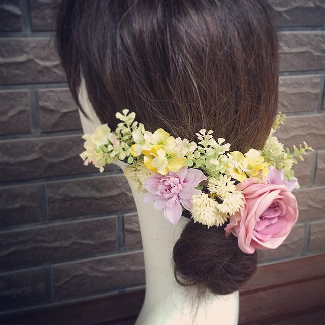 ナチュラルフラワーの髪飾り。最近はヘアパーツにも細かいグリーンを入れるのがとても人気です ヘアパーツは一本一本がバラバラになるので髪型が決まっていなくても安心してお使い頂くことが可能です #プレ花嫁 #結婚式 #wedding #ウェディング #花嫁 #結婚準備 #卒花嫁 #marryxoxo #卒花 #造花ブーケ #日本中のプレ花嫁さんと繋がりたい #名古屋花嫁 #marry花嫁 #東海花嫁 #結婚式準備 #造花 #結婚 #全国のプレ花嫁さんと繋がりたい #プロポーズ #結婚式アイデア #花嫁diy #アンティークウェディング #色打掛 #結婚式diy #東海プレ花嫁 #花嫁会 #名古屋 #ahflowers #結婚式コーデ #大人花嫁